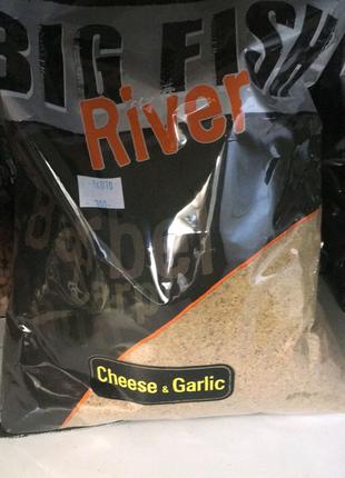 Прикормка Dynamite Baits Big Fish River Groundbait Cheese &Garlic