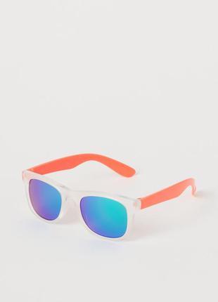 H&m фирменные яркие детские солнцезащитные очки в оправе из пл...