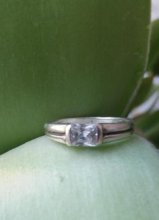 Кольцо с топазом16 размер серебро 925