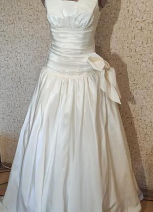 Шикарное свадебное платье 44 размер