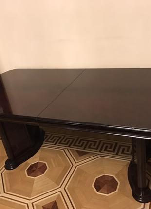 Стол . Мебель доя гостинной, столовой . Италия.