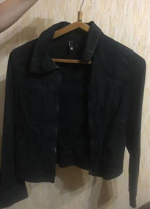 Куртка весна 42 размер, джинсовая.