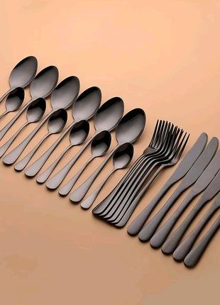Ложки вилки ножи, посуда