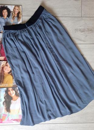 Невероятно красивая юбка серо-голубого цвета из жатой вискозы