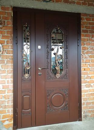 Виготовлення дверей, а також кухонних фасадів.