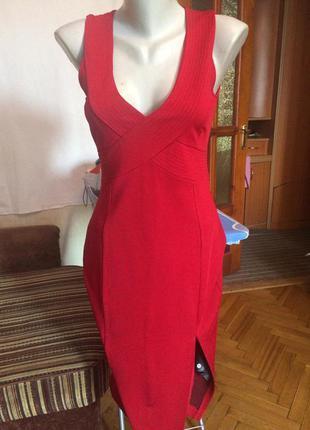 Стильное красное платье,футляр,h&m