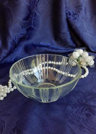 Пиала креманка ваза для конфет прессстекло ссср клеймо