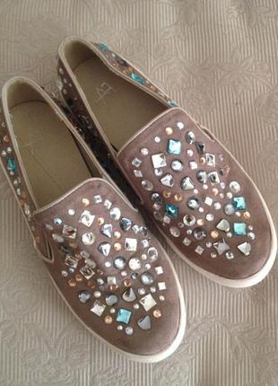 Туфли слипоны со стразами р.36