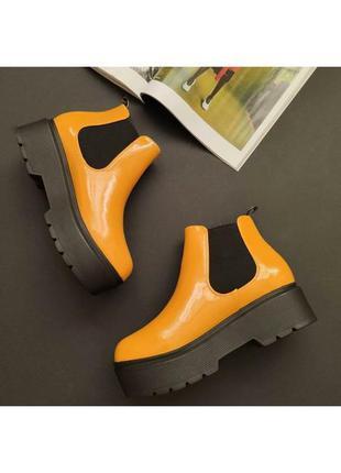 Ботинки челси весенние желтого цвета