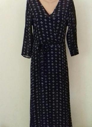 Красивое длинное платье с принтом