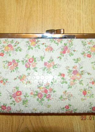 Маленькая сумочка -клатч с принтом цветы