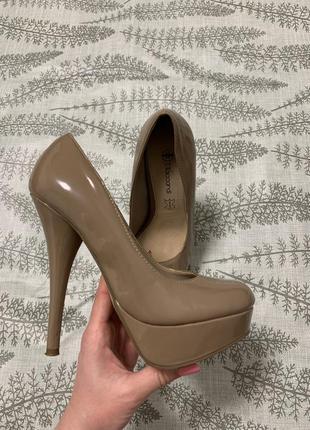 Туфли на высоком каблуке (23 см)