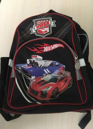 Школьный рюкзак Kite Hot Wheels для мальчика младшей школы