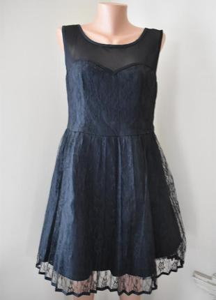 Нарядное кружевное платье   с пышной юбкой  new look