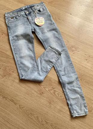 Светлые джинсы узкие/ скинни на лето/ джинси