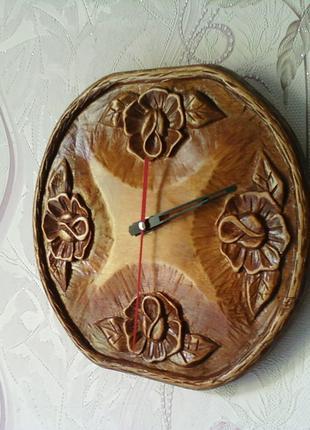 Часы настенные,деревянные,резные!