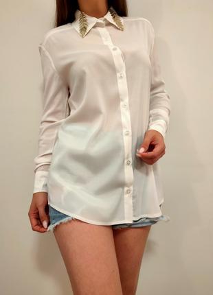 Бомбезная белая рубашка блузка с красивым воротником листья