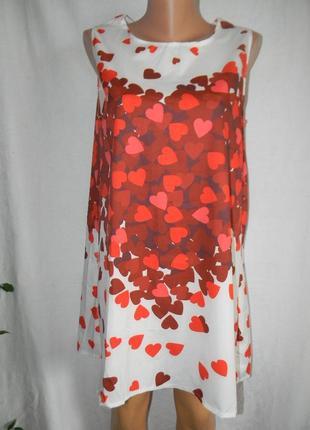 Новое платье с принтом сердечки