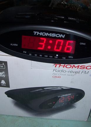 Электронные настольные часы радио-будильник с FM приёмником Thoms
