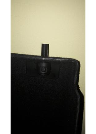 Mini Cooper R56 крепежи внутренней крышки багажника