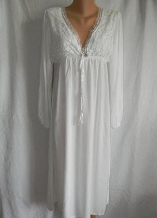 Белое натуральное  платье с кружевом