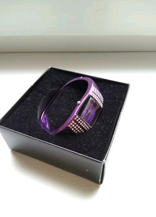 Часы-браслет от Avon