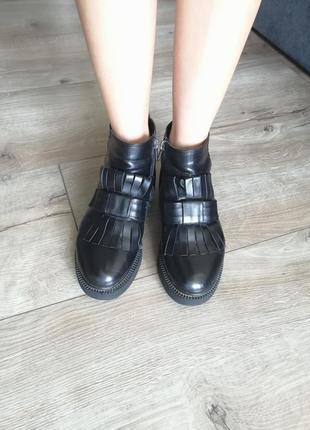 Зимние чёрные натуральные ботинки. короткие кожаные оксфорды с...