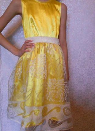 Платье нарядное 9-10 лет