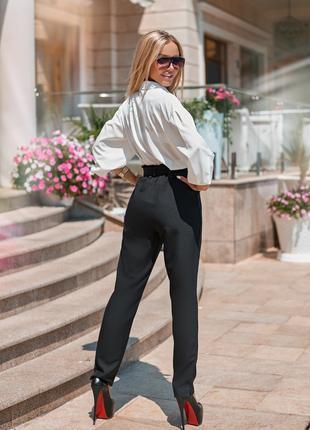 Костюм женский(брюки+блузка)