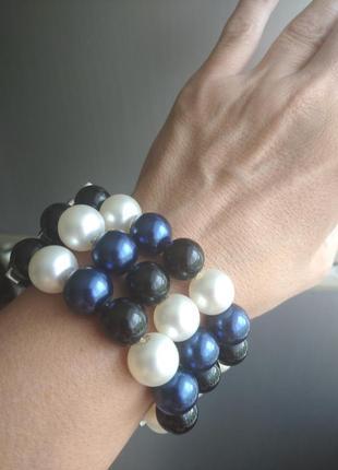 Красивый крупный браслет под  сине белый жемчуг ширина 4 см