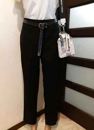 Стильные базовые черные брюки штаны капри