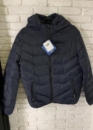 Мужская демисезонная куртка с капюшоном