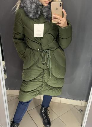 Зимнее пальто пуховик женский