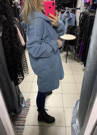 Женская джинсовая длинная куртка