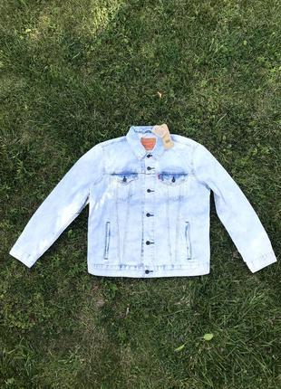 Новая джинсовая куртка levis
