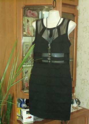 Красивое приталенное чёрное платье miss selfridge !!!
