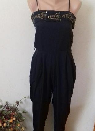 Черный комбинезон-ромпер с вышивкой
