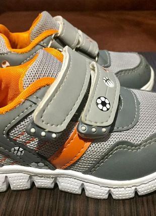 Классные кроссовки tom.m стелька 13,5 см (размер 22)