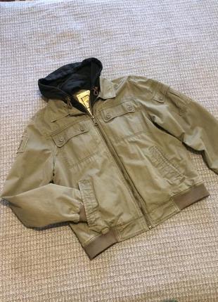 Клёвая демисезонная куртка, ветровка