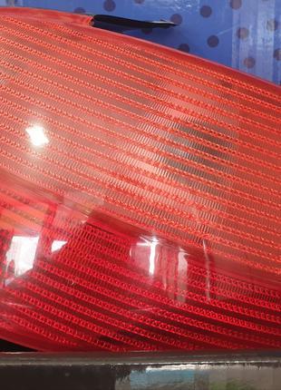 Фонарь задний правый Peugeot 206