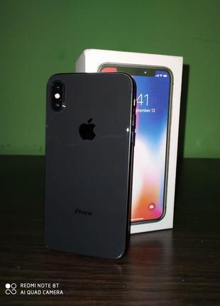 Iphone X 64 гб. +защитное стекло +чехол
