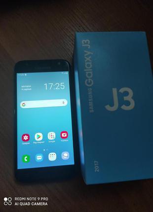 Смартфон Samsung Galaxy J3