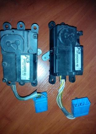 Моторчики привода (актуаторы) системы вентиляции. Mazda 626 GE