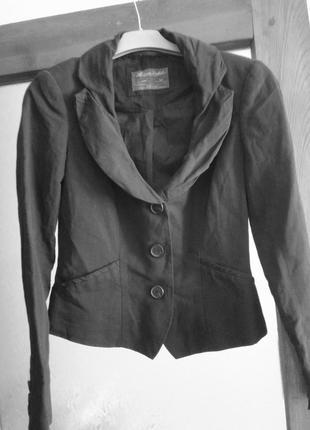Маленький черный пиджак