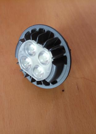 LED лампа PHILIPS 7w, 12v~, 3000k, 420 lumen.