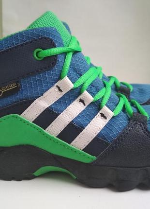 Демисезонные ботинки (кроссовки) adidas gore tex оригинал р.27