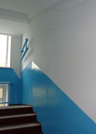 Побелка подъездов мелом, Ремонт шпаклевка стен потолка в подъезде