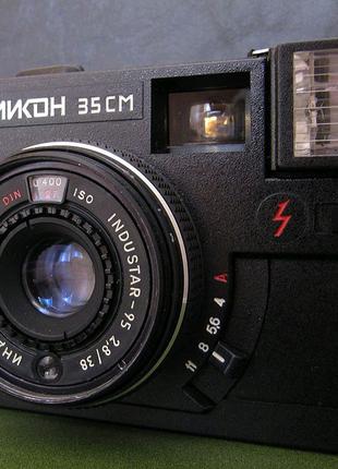 Фотоаппарат эликон 35 см в чехле