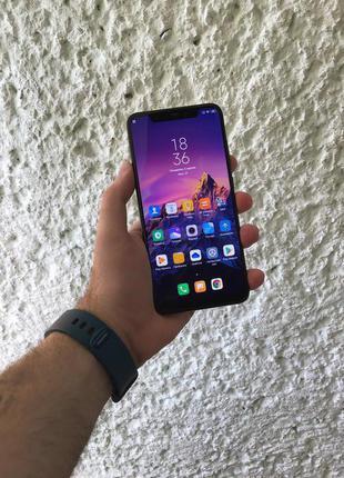 Xiaomi Mi 8 6/64GB Black + 2 чехла