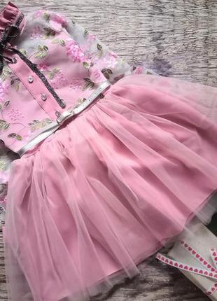 Очень красивое платье для девочки!